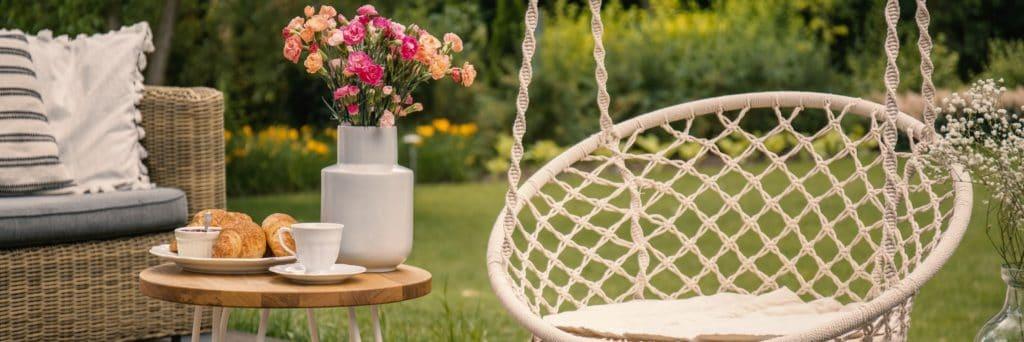 Fonott kerti bútor