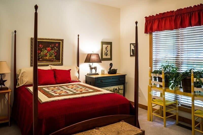 A piros színű hálószoba felér egy átokkal?