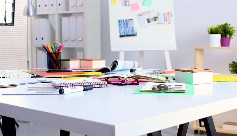 Az iskolakezdéshez íróasztal is dukál – segítünk választani!